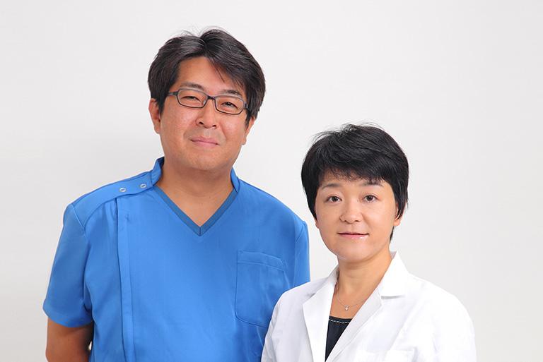 医師2人体制で治療を行います